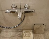 お風呂(浴室)のハウスクリーニングを川崎市中原区木月祇園町にて【清掃事例1604】